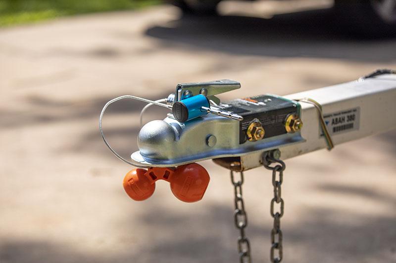 CURT (23082): Universal Tri-Ball Trailer Coupler Lock